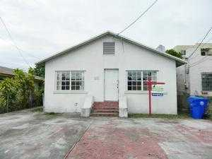 2636 NW 24th Ct, Miami, FL 33142