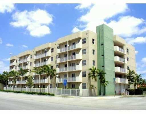 2575 SW 27 Ave # 409, Miami, FL 33133