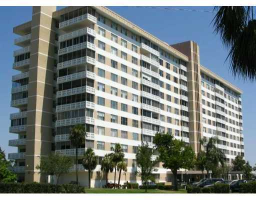 4001 Hillcrest Dr # 511, Hollywood, FL 33021