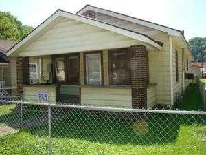 30 Harris St, Logan, WV 25601