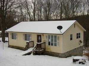 128 Irish Mountain Rd, Shady Spring, WV 25918