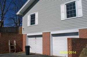 906 Honeysuckle Dr, Martinsburg, WV 25401