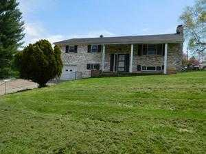 1595 Maxwell Hill Rd, Beckley, WV 25801