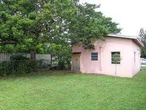 1774 Nw 68th St, Miami, FL 33147