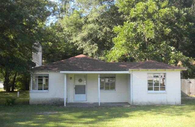1000 E Blackshear Ave, Waycross, GA 31501