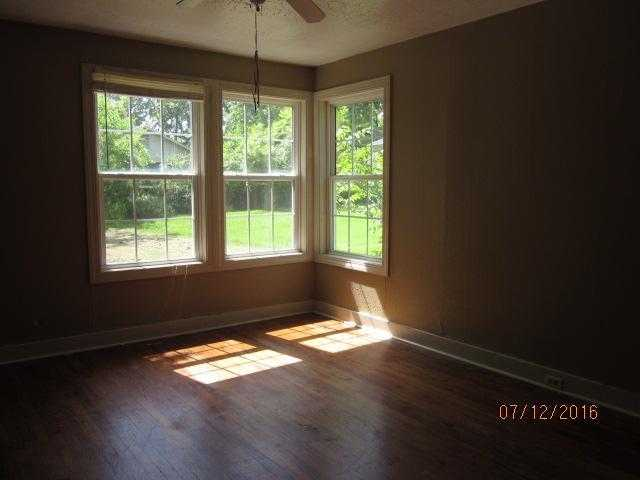 715 Cromwell St, West Point, MS 39773