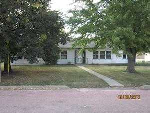 305 W Washington Ave, Howard, SD 57349