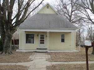 417 W Parallel St, Conway Springs, KS 67031