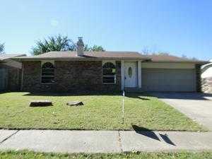Single Family Home for Sale, ListingId:30319930, location: 1923 W Pittsburg Place Broken Arrow 74012
