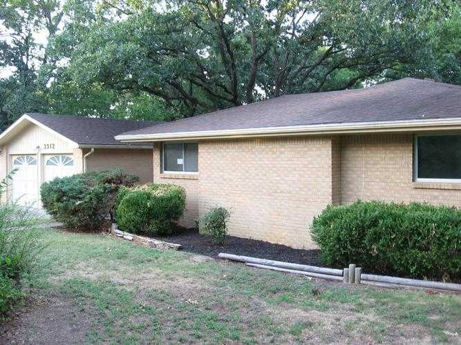 3312 Woodland Rd, Bartlesville, OK 74006