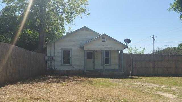 Photo of 704 DALLAS ST  Pleasanton  TX