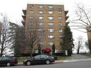 8800 Blvd E # 3G, North Bergen, NJ 07047