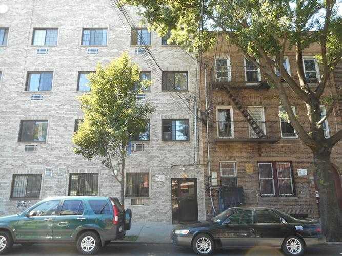 Photo of 720 E 217th St  Bronx  NY