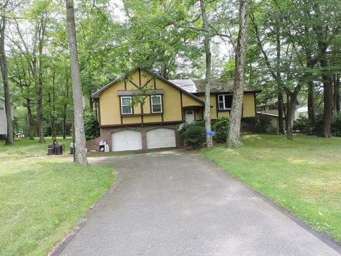 Photo of 8 Walden Dr  Mountain Top  PA